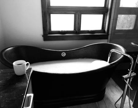 Bathtub in Second Master Suite at Summit At Shockhill | Breckenridge Vacation Rentals