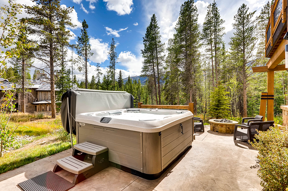 Basecamp at Shockhill Landing | Breckenridge Rental with Hot Tub