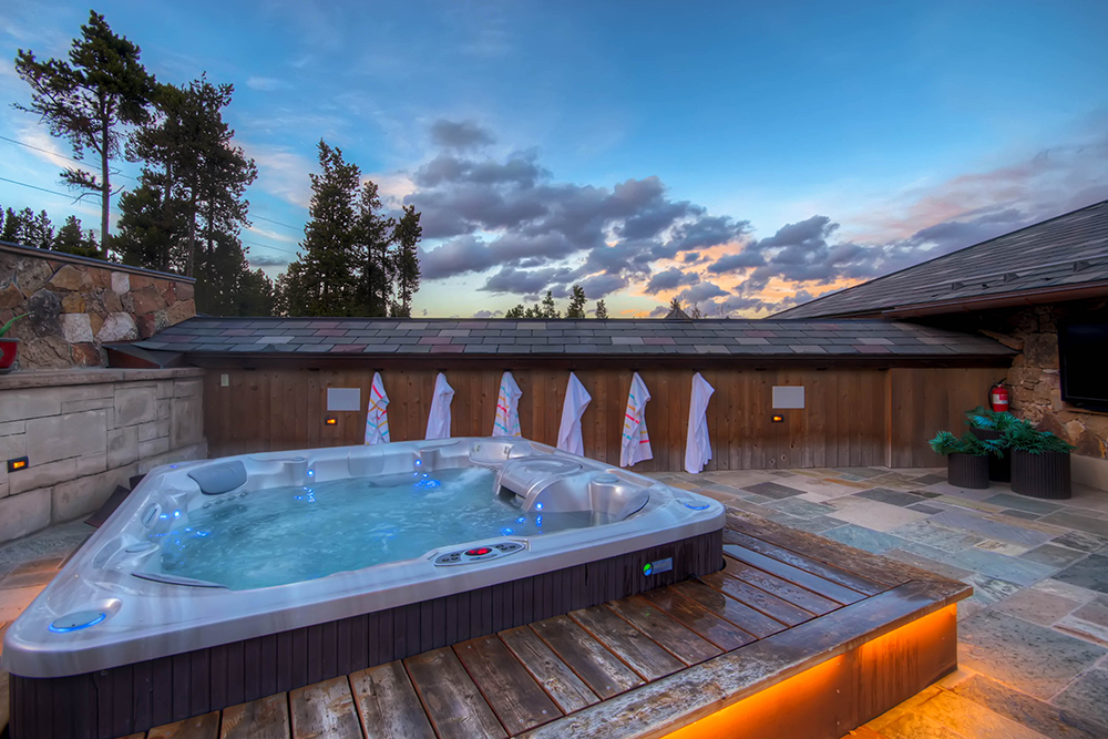 Chateau of Breck | Breckenridge Vacation Rentals with Hot Tubs