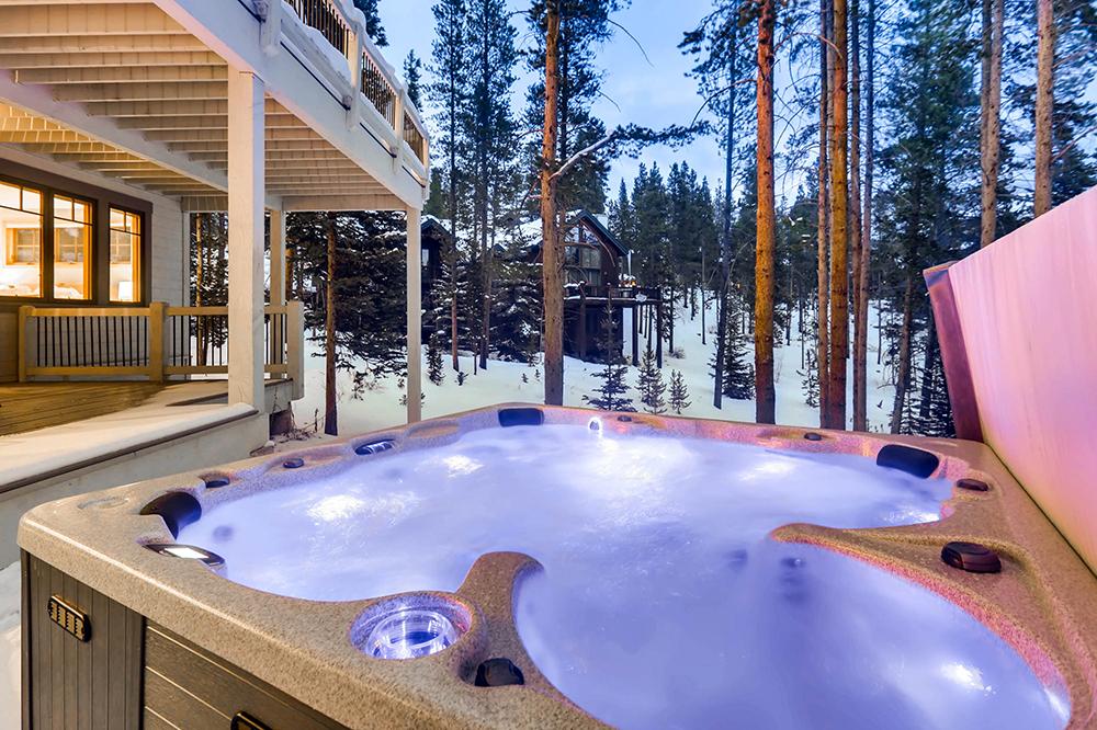 Snowflake Escape | Breckenridge Vacation Rentals with Hot Tubs